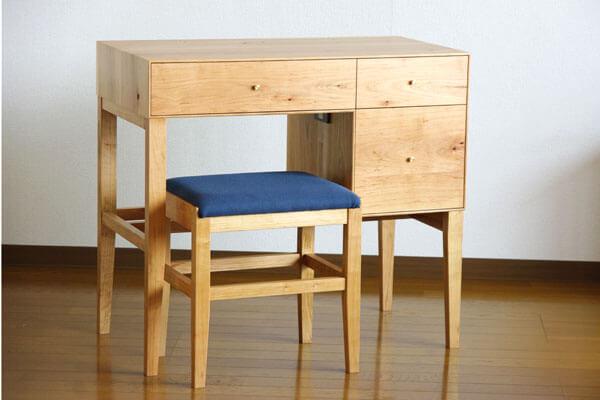 神奈川の無垢材家具