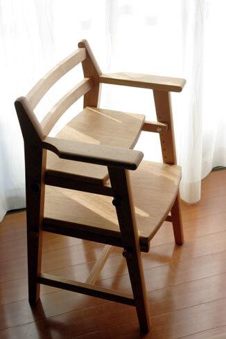 木のダイニング用子供椅子