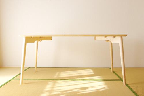 メープルのダイニングテーブル