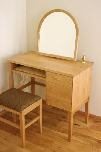神奈川のオーダー家具屋のスツール
