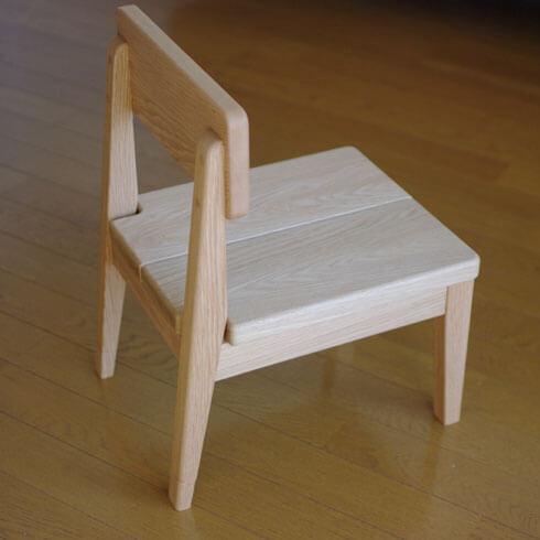 無垢材の子供椅子 inahono furniture