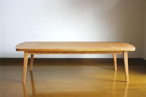 無垢材のローテーブル