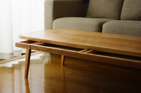 引出し付きのローテーブル
