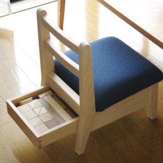 木の子供椅子