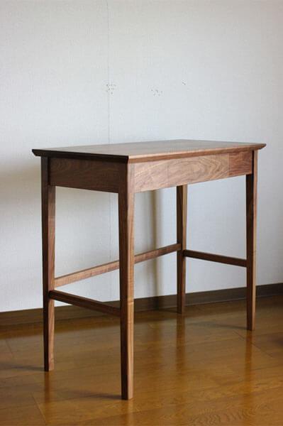 ウォールナットのコンソールテーブル