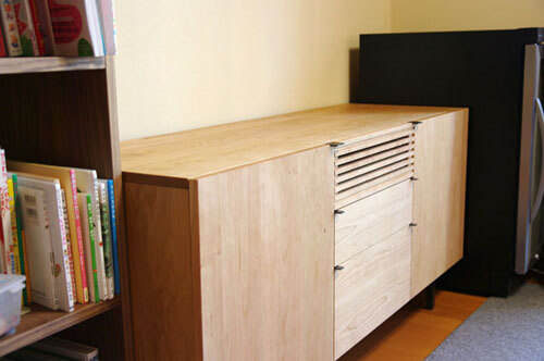 チェリー材のテレビボード