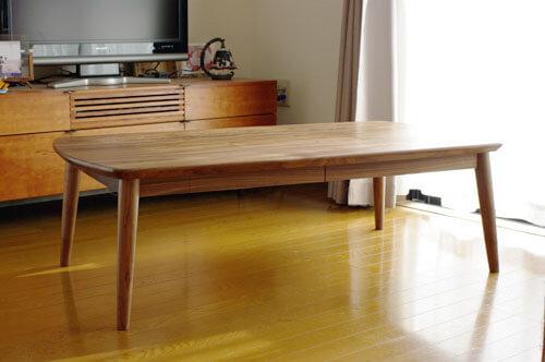 ウォールナットのローテーブル