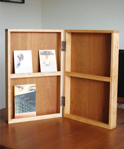 本の展示什器